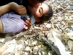 Desi school girl in jungle with bf